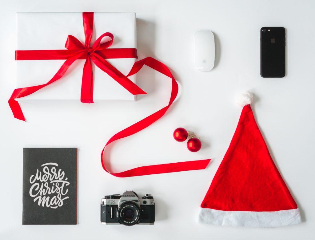 Post e festività: è obbligatorio postare contenuti sui propri social?